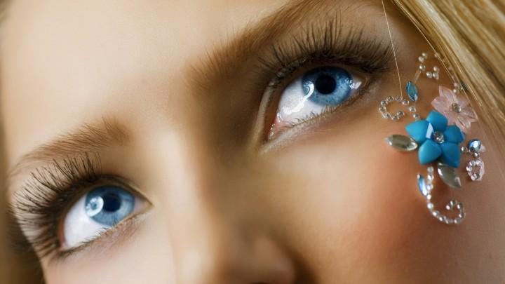 Image 2 blue eyes