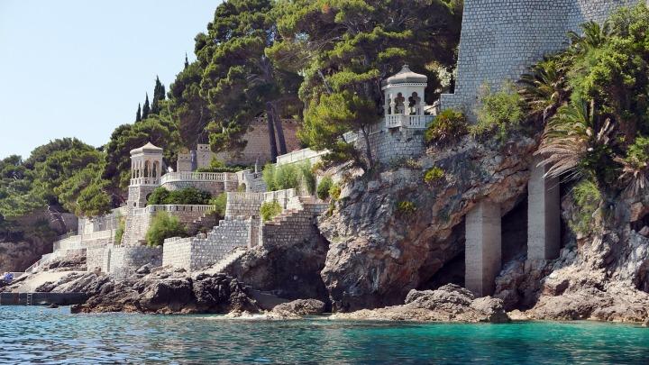 dubrovnik-beach-castle