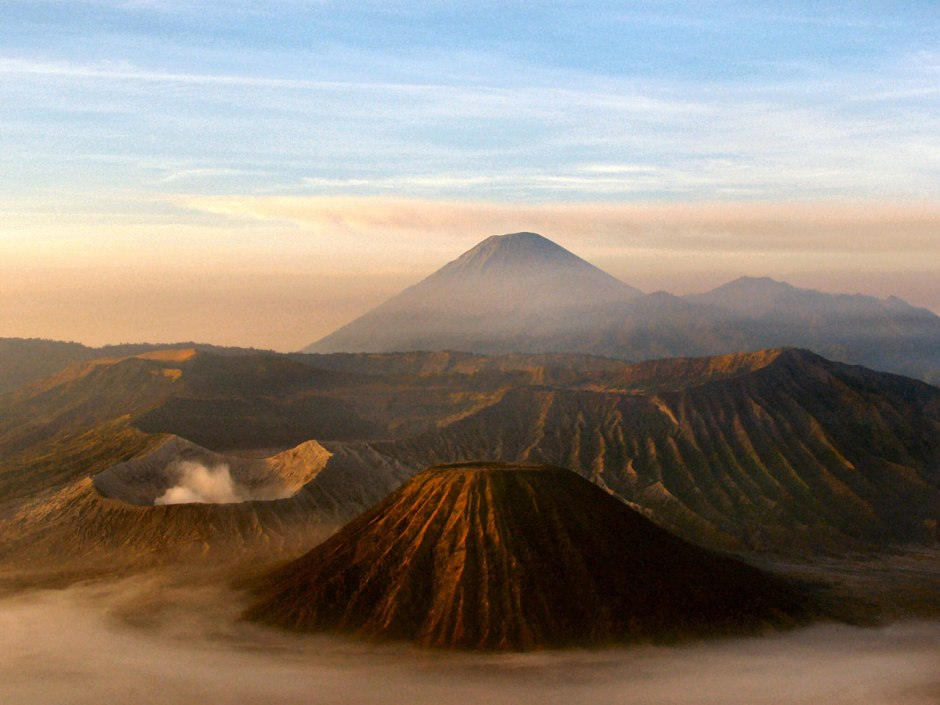 mount-bromo-java-64951288170044ioba